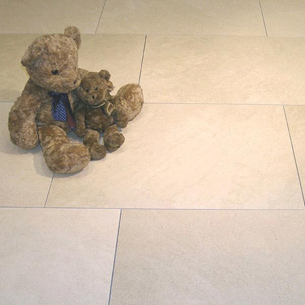 Limestone-branco-90-x-60-honed-1.jpg
