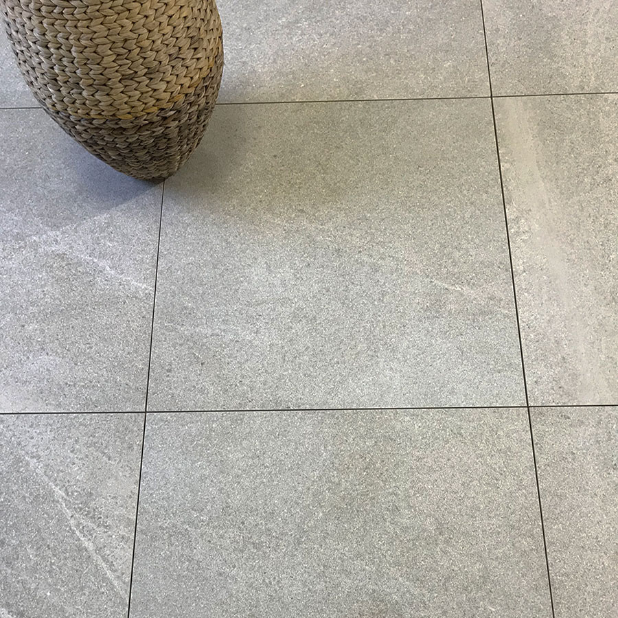 Lucca-Silver-stone-effect-porcelain-tiles-PP-opt