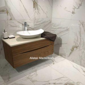 calacatta-oro-marble-porcelain-tiles-bathroom-2-pp-opt
