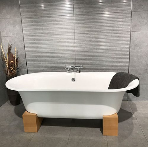 orense-gris-bathroom-opt-1.jpg