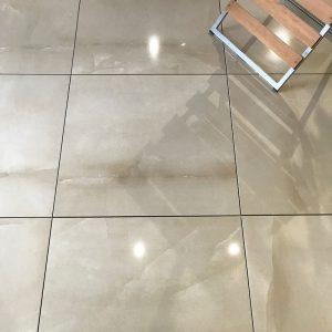Almeria-Crema-Marble-effect-porcelain-floor-PP-opt
