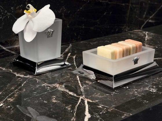 Versace-Gallery-Emote-1-opt