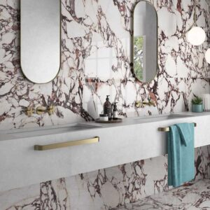 Aguilas-Magenta-bathroom-opt